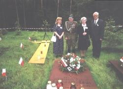06-09.2000 r. - otwarcie i poświęcenie Polskich Cmentarzy Wojennych-12
